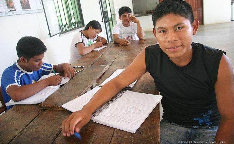 jóvenes-indígenas.jpg
